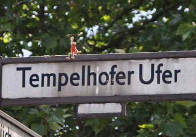 Kork Yogis - Berlin Street Art